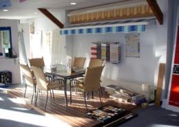 Showroom Lesquel Exemple de réalisation store et terrasse bois